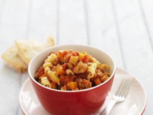 Pasta mit Tomaten-Wurst-Soße Rezept