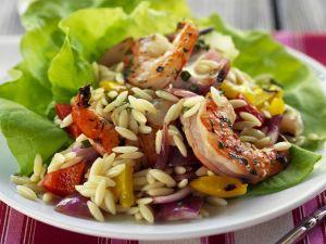 Pasta-Salat mit Garnelen und Gemüse Rezept
