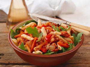 Pastasalat mit Thunfisch, Möhren und Paprika Rezept