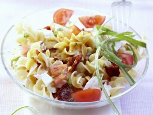 Pastasalat mit Tomaten Rezept