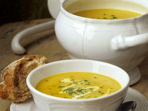 Pastinakensuppe mit Curry Rezept
