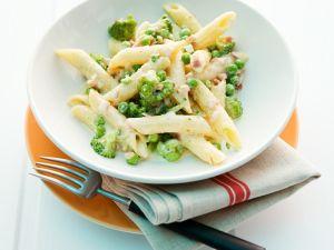 Penne mit Gemüse und Speck-Sahnesauce Rezept