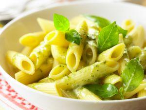 Penne rigate mit frischem Pesto Rezept
