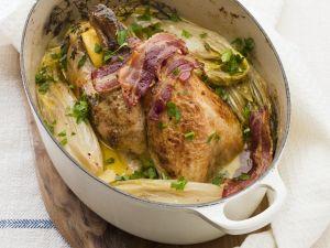 Perlhuhn mit Chicorée und Bacon Rezept