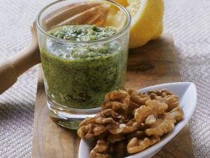 Pesto mit Petersilie und Walnüssen Rezept