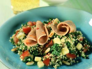 Petersilien-Hirse-Salat mit Putenwurst Rezept