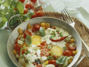 Pfannengemüse mit Käse und Spiegelei Rezept