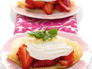 Pfannkuchen mit Erdbeeren Rezept