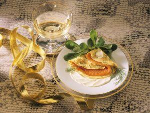 Pfannkuchen mit Lachsforelle gefüllt Rezept