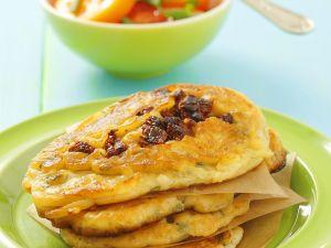 Pfannkuchen mit Tomaten und Tomatensalat Rezept