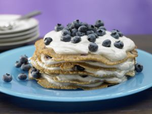 Pfannkuchentorte mit Blaubeerquark Rezept