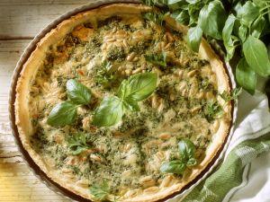 Pie mit Kräutern und Pinienkernen Rezept