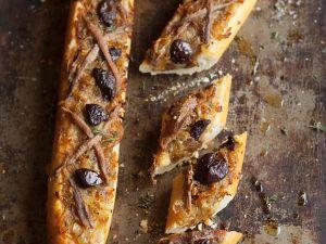 Pikant überbackenes Baguette Rezept