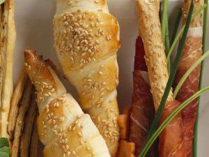 Pikante Croissants mit Lachsfüllung Rezept
