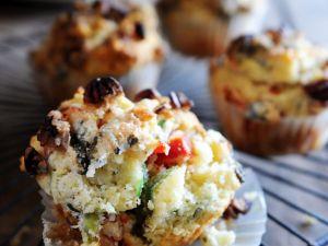 Pikante Muffins mit Käse Rezept