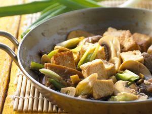 Pilz-Pfanne mit Tofu Rezept