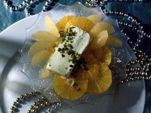 Pistazieneis auf marinierten Orangen- und Grapefruitfilets Rezept