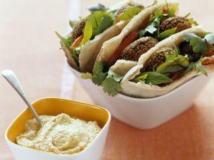 Pita mit Falafel und Hummus Rezept