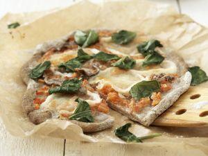 Pizza mit Anchovis Rezept