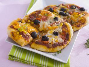 Pizza mit Gemüse und Käse Rezept