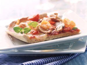 Pizza mit Thunfisch und Garnelen Rezept