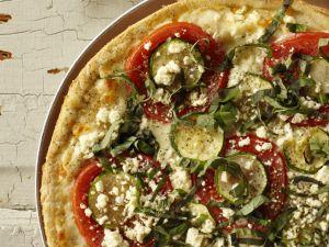 Pizza mit Zucchini und Feta Rezept