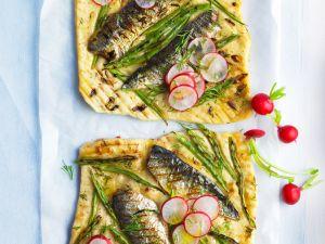 Pizza vom Grill mit Bohnen und Sardinen Rezept