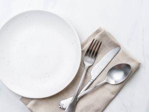 Mehr als 100 Plastik-Teilchen in jeder Mahlzeit