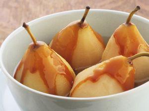 Pochierte Birnen mit Sirup Rezept