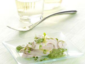 Pochierte Poulardenbrust mit Frankfurter Sauce Rezept