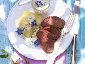 Pochiertes Rinderfilet mit Kräutersauce (grüner Sauce) Rezept
