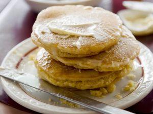 Polentapuffer mit Butter Rezept