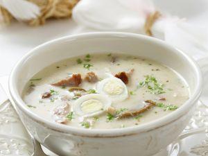 Polnische Suppe mit Wurst und Wachteleiern (Zurek) Rezept