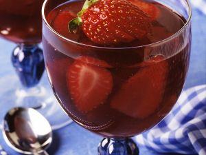 Portweingelee mit Erdbeeren Rezept