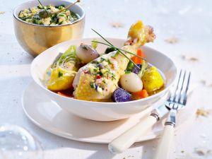 Poularde mit kleinen Gemüse und Kapernsauce Rezept