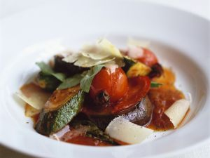Provenzalische Gemüsesuppe mit Parmesan Rezept