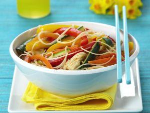 Pute mit Gemüse und Asia-Nudeln Rezept