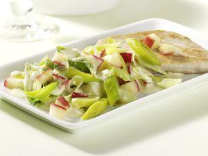 Putenbrustfilet mit Lauch-Apfel-Gemüse Rezept