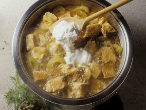 Putengulasch mit Gurken und Joghurt Rezept