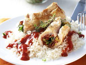 Putenrouladen mit Reis und Tomatensugo Rezept