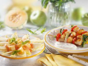 Putenspieße mit fruchtigem Chicoreesalat Rezept