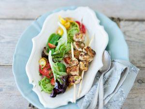 Putenspieße mit Salat Rezept