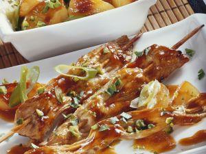Putenspieße und Lauch-Apfel-Gemüse Rezept