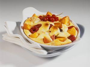Quarkauflauf mit Früchten Rezept
