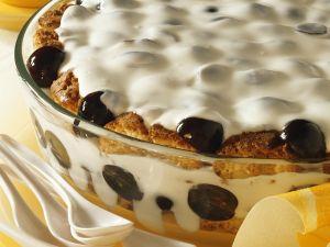 Quarkcreme mit Trauben und Keksen Rezept