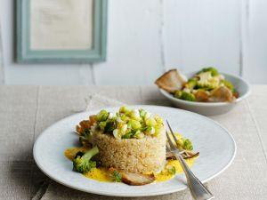 Quinoa mit Brokkoli, Pilzen und Currysauce Rezept