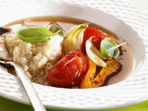Quinoa mit Gemüse in Brühe Rezept