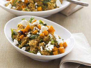 Kürbis mit Quinoa und Schafskäse