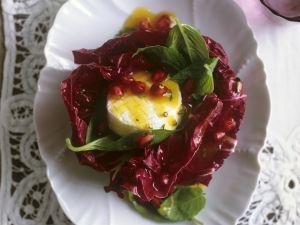 Radicchio mit Honig-Ziegenkäse und Granatapfelkernen Rezept