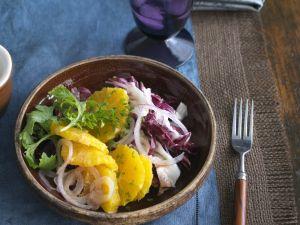 Radicchio mit Zwiebel und Orange Rezept